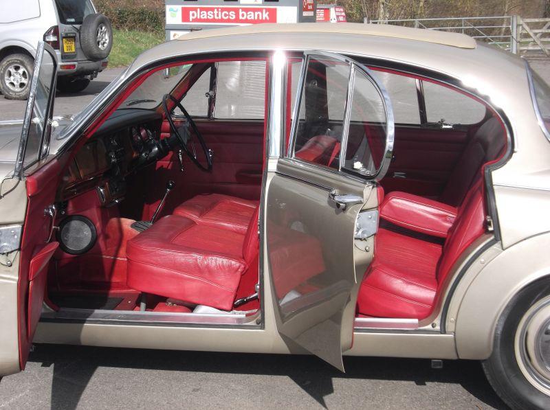 1968 Daimler V8 250 Saloon Interior 1