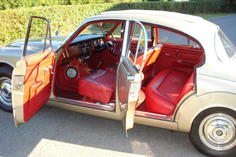 1968 Daimler V8 250 Saloon Interior 2
